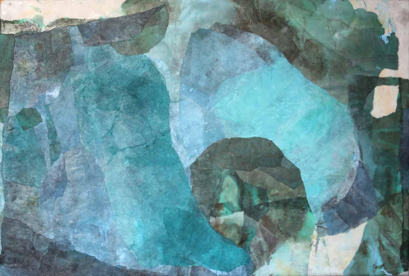Abstrakte Collage aus Chinapapier im mittleren Format
