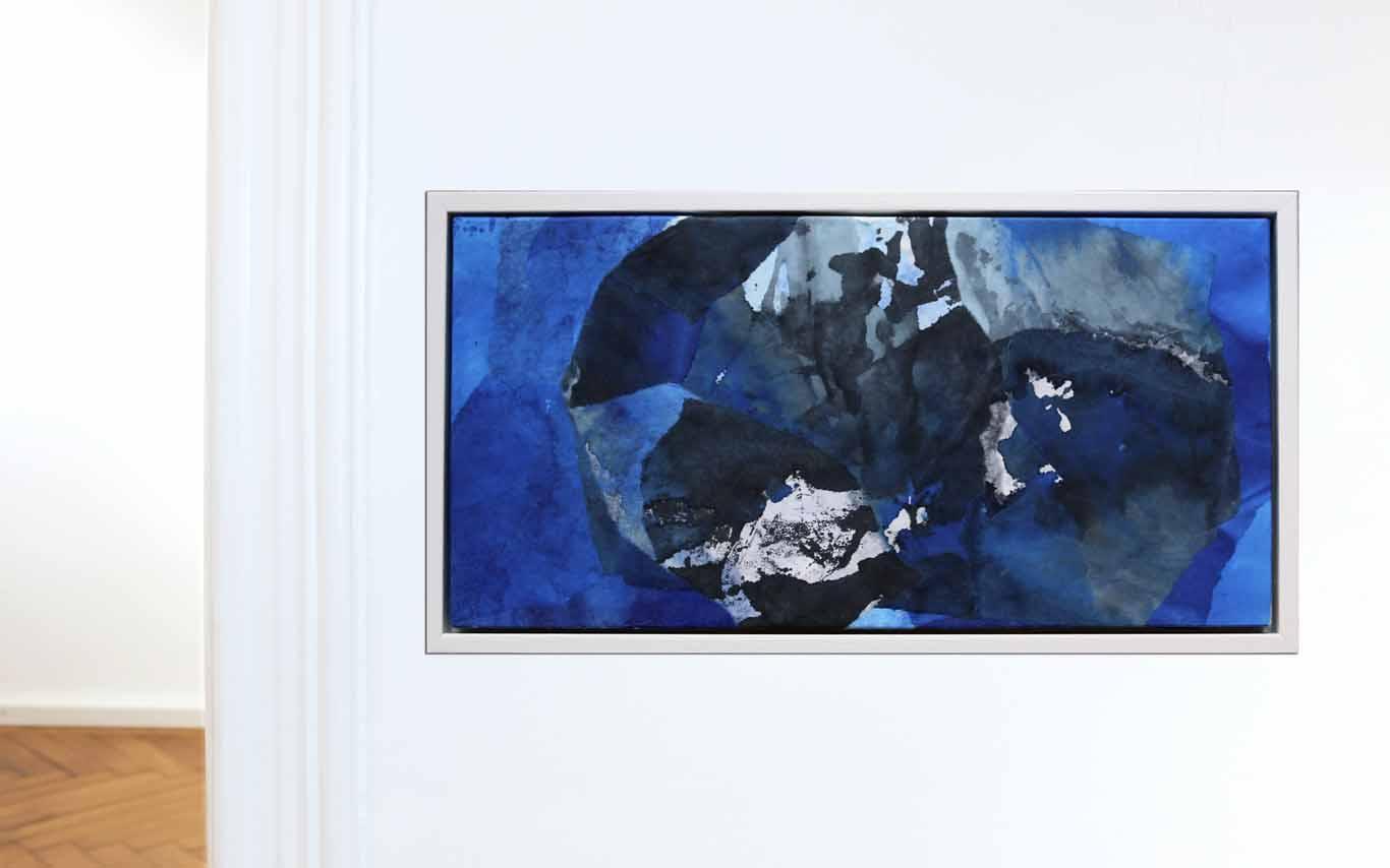 abstrakte Collage aus Chinapapier in Blautönen