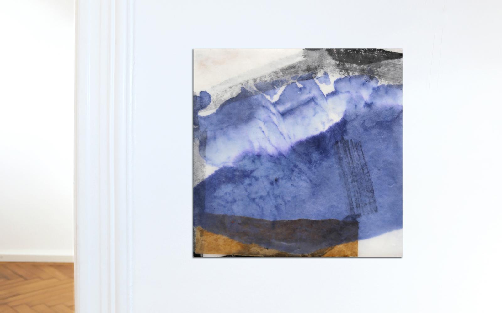 Abstrakte zeitgenössische Collage aus Chinapapier auf Holz